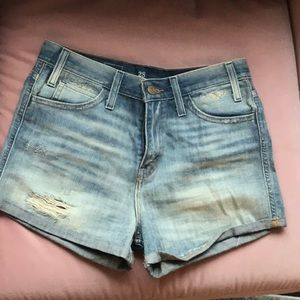 NEW Levi Denim Shorts